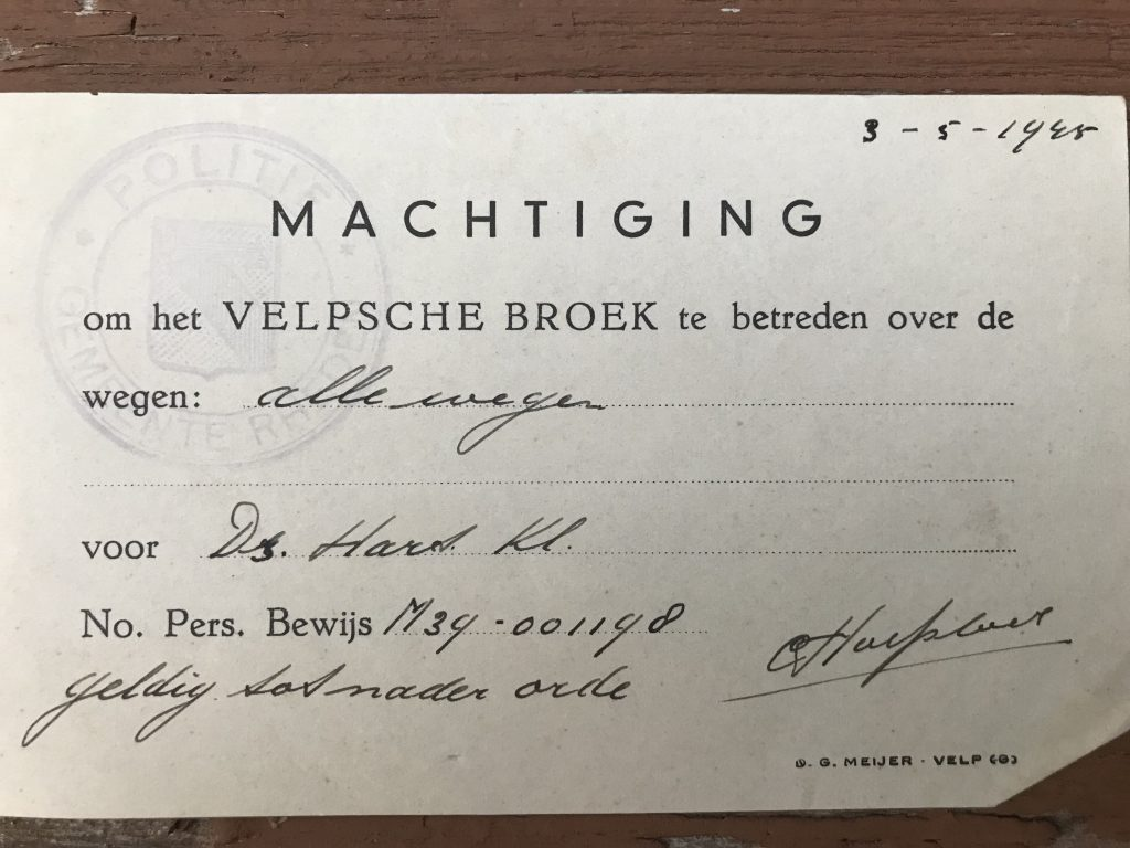 Permission to travel on all the roads in Velp. May 3, 1945. Dutch.